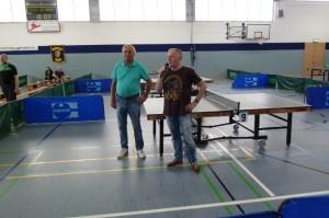 Rolf Kaden als Vertreter des Hildburghäuser Landratsamtes eröffnet das Turnier